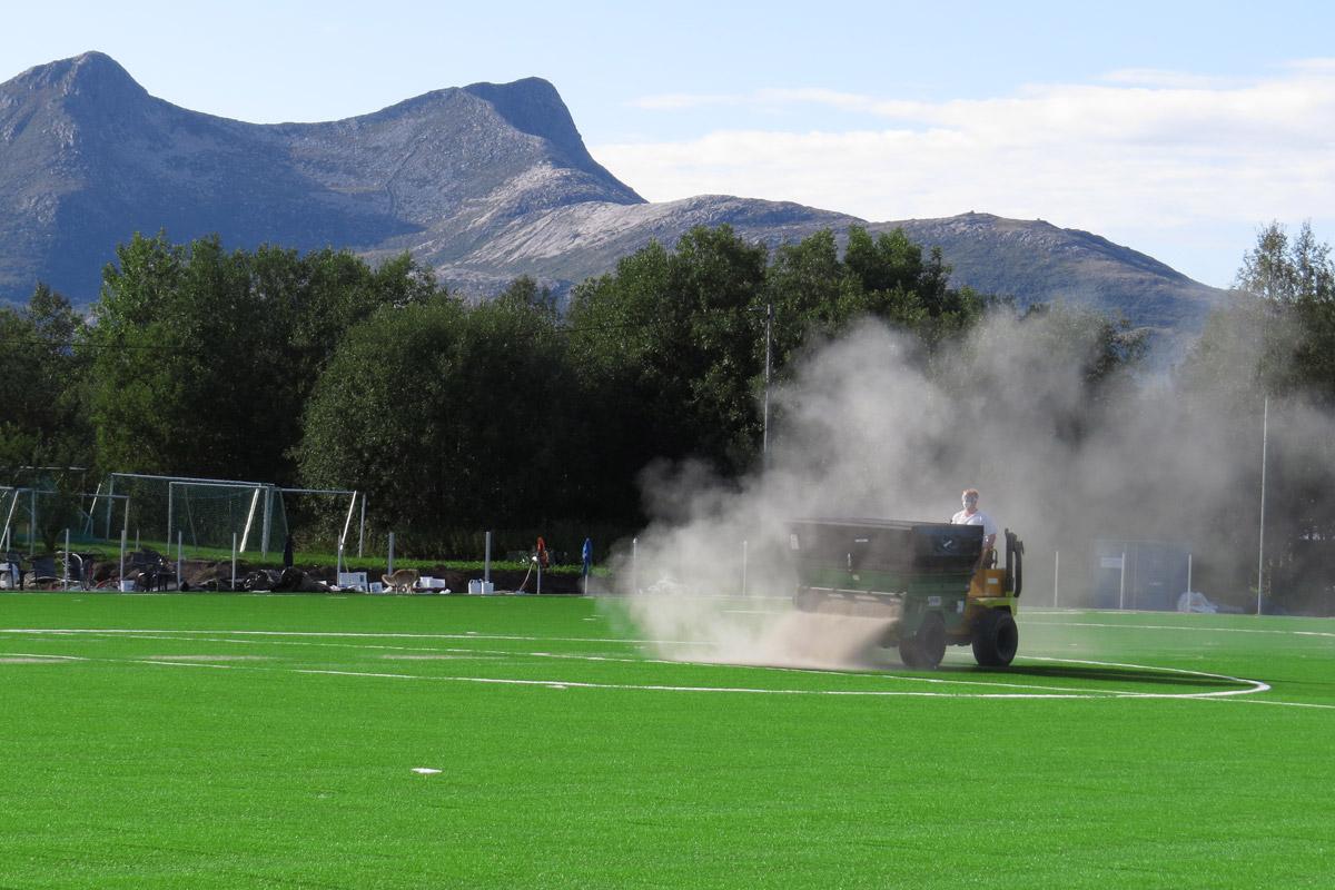 Installasjon av kunstgressbane for fotball - Halsa IL
